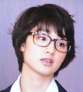 メガネの剛力彩芽