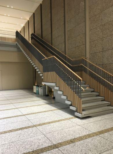 創価大学中央教育棟の地下2階